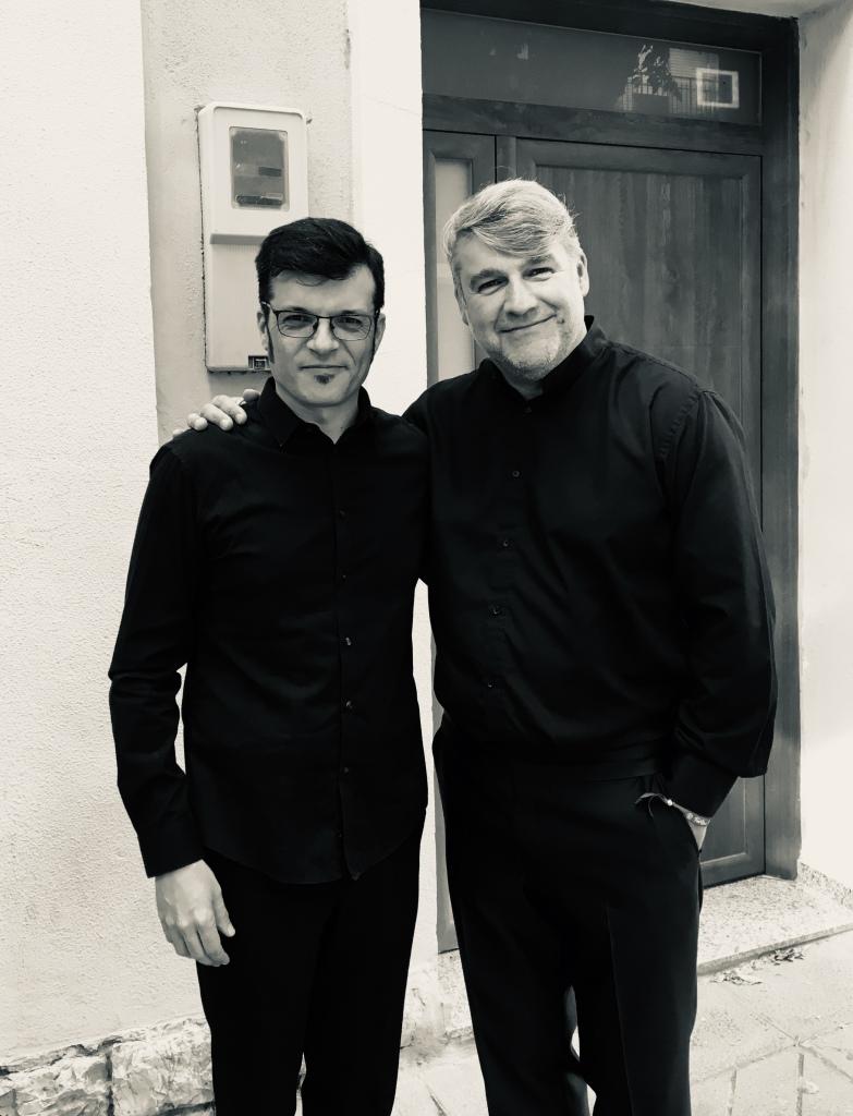 Con Andrés Valero antes de subir a escena en Buñol, España, durante el Congreso Mundial de WASBE en Julio de 2019, compartiendo un programa con la genial Unión de Lliria